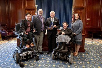 GCDD Presents Award to Governor Deal